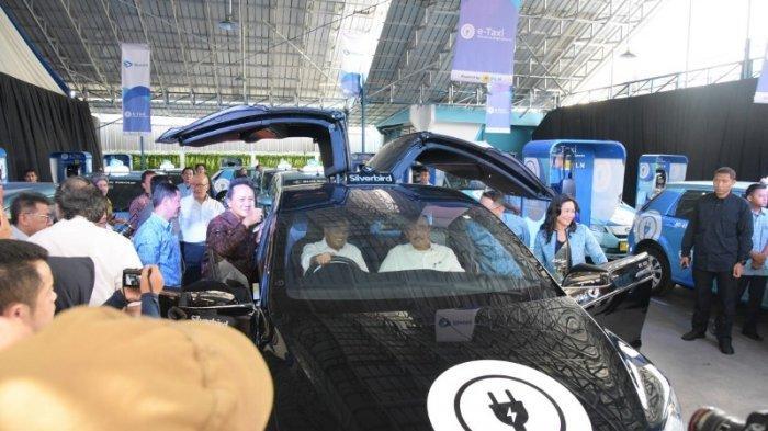 Tesla Model X 75D Jadi Armada Blue Bird, Berapa Tarif Sekali Naik?