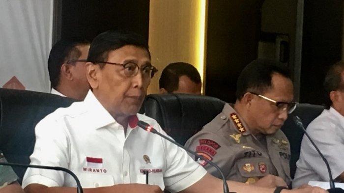Menko Polhukam Wiranto dan Kapolri Jenderal Tito Karnavian dalam konferensi pers di Kantor Kemenko Polhukam, Jakarta Pusat, Selasa (24/9/2019).