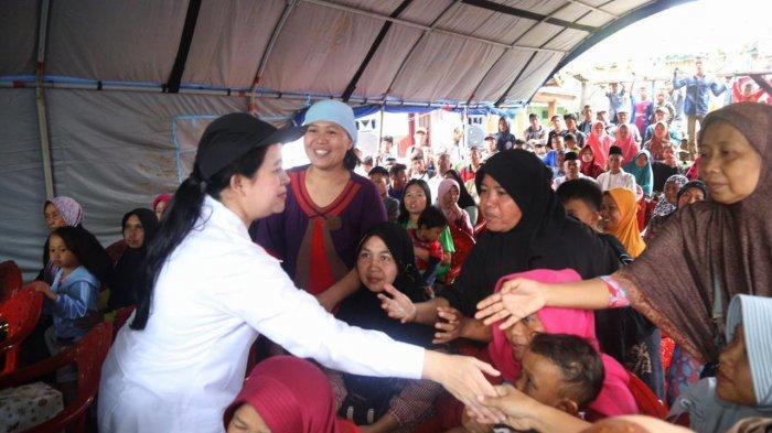 Sambangi Wilayah Terkena Tsunami di Lampung, Menko Puan Berikan Bantuan dan Santunan