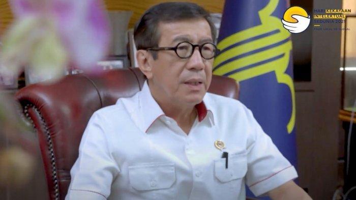 Candaan Yasonna untuk Bos Benny K Harman: Masih Lama Jadi Presiden