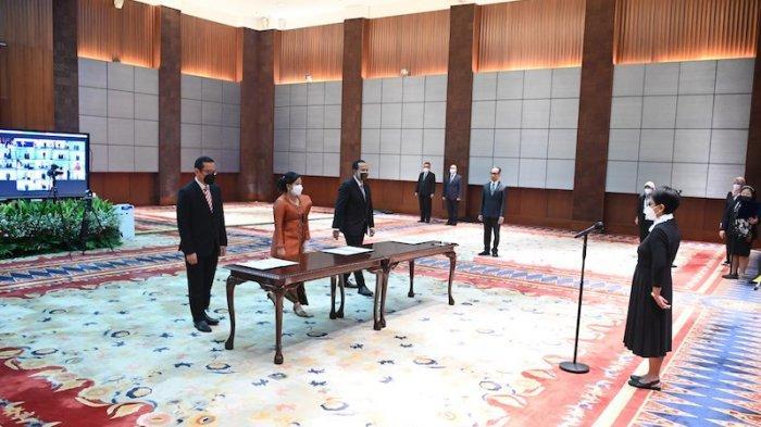 Menlu Lantik 23 Pejabat Pimpinan Tinggi Kemlu dan 3 Konsul Jenderal RI