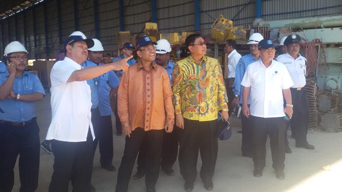 Menteri Perindustrian Kunjungi Galangan Kapal PT IKI Makassar