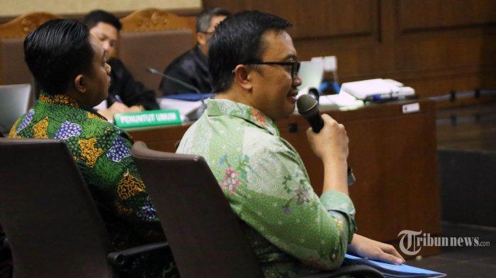 Menteri Pemuda dan Olahraga Imam Nahrawi memberikan keterangan saat menjadi saksi dalam sidang kasus dugaan suap dana hibah KONI di Pengadilan Tipikor, Jakarta, Kamis (4/7/2019). Dalam sidang tersebut Menpora memberikan keterangan saksi untuk terdakwa Deputi IV Bidang Peningkatan Prestasi Kemenpora Mulyana, serta staf Kemenpora Adhi Purnomo dan Eko Triyanta. TRIBUNNEWS/IRWAN RISMAWAN (TRIBUNNEWS/IRWAN RISMAWAN)
