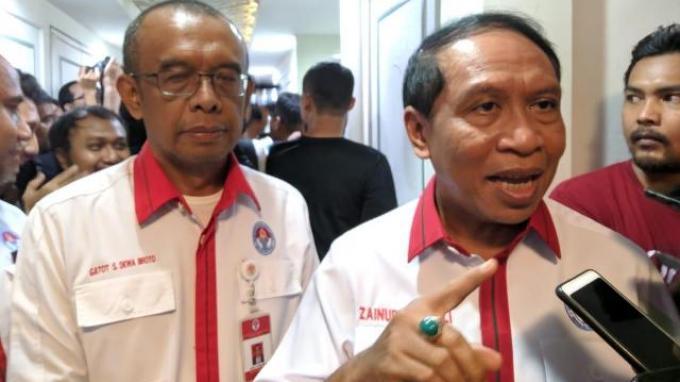 Menpora Zainudin Amali saat diwawancarai seusia menerima kepengurusan PSSI yang baru di Kemenpora, Senayan, Jakarta, Senin (4/11/2019).