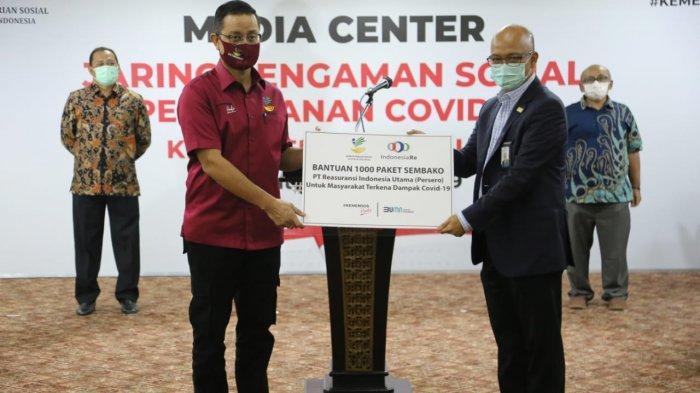 Terima 1.000 Sembako dari Sektor Usaha, Mensos: Wujud Gotong Royong Tangani Covid-19