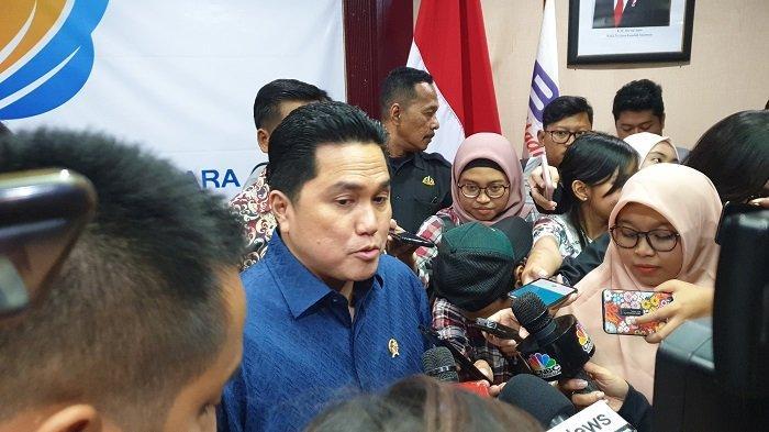 Menteri BUMN Erick Thohir di kantor Kementerian BUMN, Jakarta, Jumat (21/2/2020).