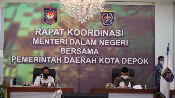 Mendagri Tito Turun Gunung Cek Penyaluran Bansos dan Realisasi APBD di Bekasi dan Depok