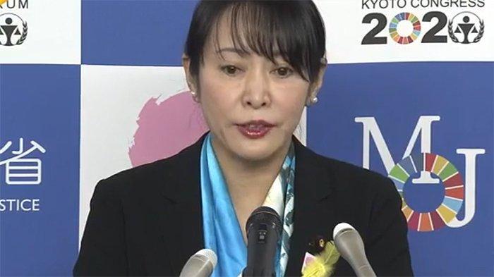Menteri Kehakiman Jepang Sebut Carlos Ghosn Ngawur, Hanya Mencari Sensasi