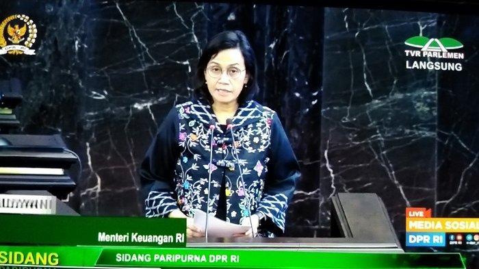 Menteri Keuangan Sri Mulyani saat rapat paripurna di gedung DPR, Jakarta,  Selasa (12/6/2020),