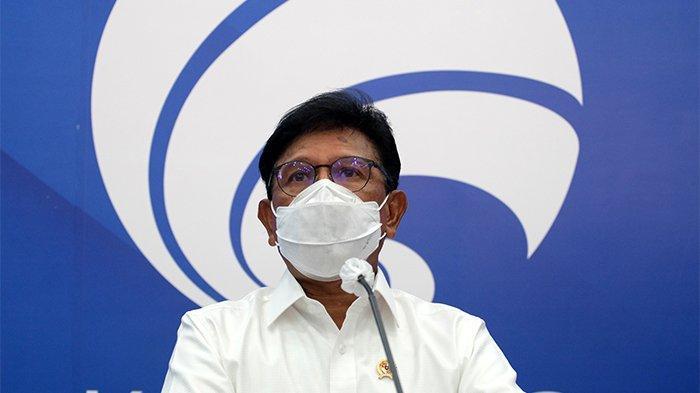 Menteri Komunikasi dan Informatika (Menkominfo) Johnny G. Plate saat memberikan keterangan pers di Jakarta, Kamis 4 Maret 2021.