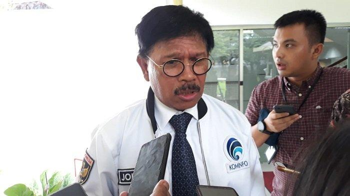 Menteri Komunikasi dan Informatika (Menkominfo) Johnny G Plate di Kompleks Istana Kepresidenan, Jakarta,  Selasa (25/2/2020).