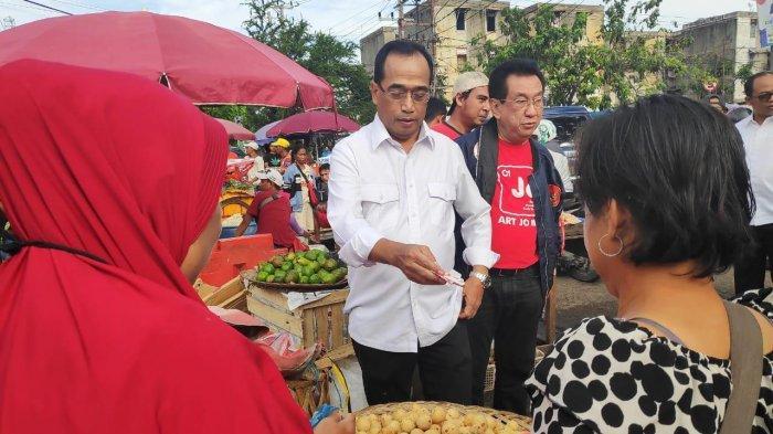Kampanyekan Jokowi di Pasar Palembang, Budi Karya Ambil Cuti