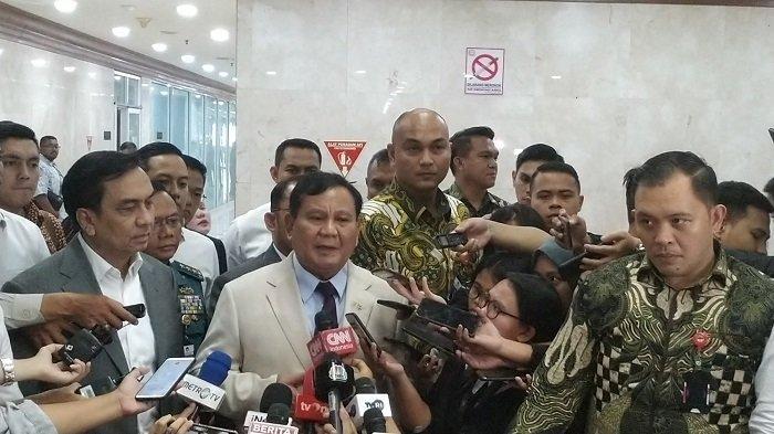 Menteri Pertahanan RI Prabowo Subianto usai RDP dengan Komisi I DPR RI, di Gedung Nusantara II, Kompleks Parlemen, Senayan, Jakarta, Senin (20/1/2020).