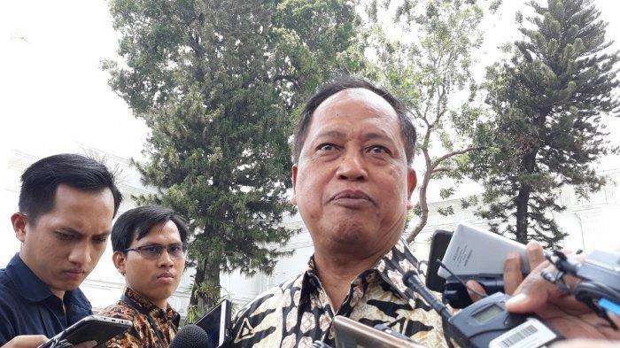 Sujiwo Tejo Tanggapi Ancaman Menristekdikti pada Rektor yang Tak Bisa Redam Demo Mahasiswa