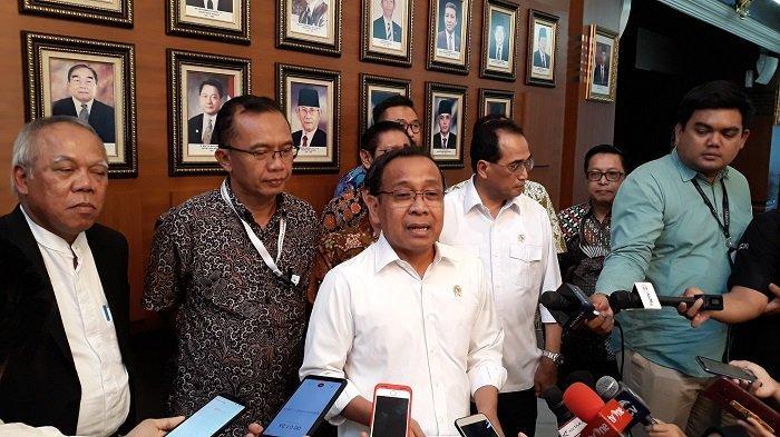 Menteri Sekretaris Negara Pratikno di Kantor Kementerian Sekretariat Negara, Jakarta, Senin (27/1/2020).