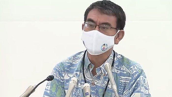 Menteri Jepang Minta Hentikan Sementara Aplikasi Vaksinasi Covid-19 Massal di Tempat Kerja