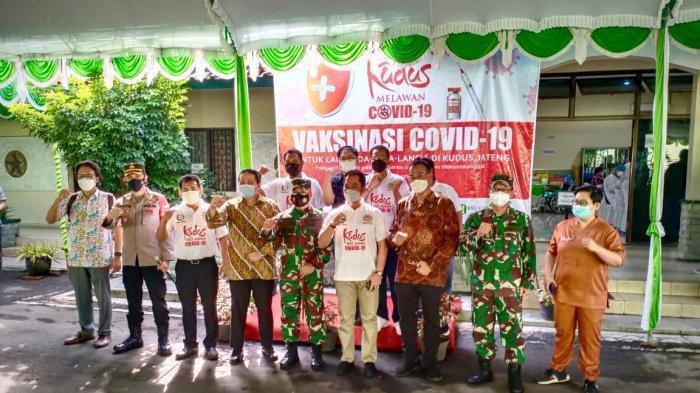 Kolaborasi Kemenkes, Ikastara Mensukseskan Vaksinasi Covid-19 untuk Lansia