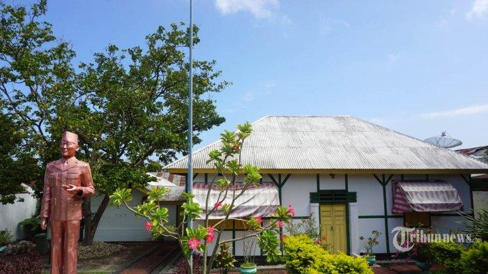 Di Pulau Ende Soekarno Tempati Rumah Haji Abdullah