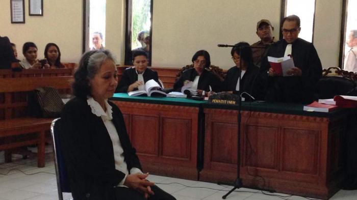 Sidang Kasus Engeline, Pengunjung: Hukum Mati Margriet Pak Hakim!