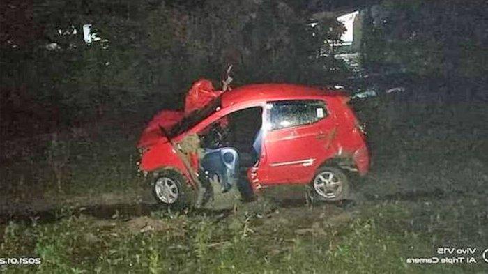 Mesin Mobil Mati Sendiri di Tengah Rel, Sepasang Kekasih Ini Lolos dari Maut Setelah Dobrak Pintu