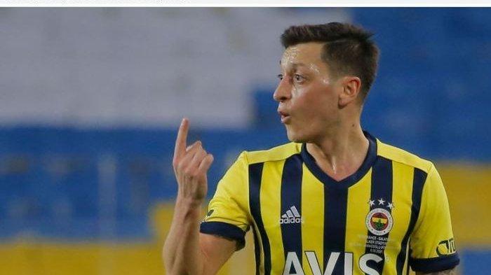 Apa Kabar Mesut Ozil dengan Fenerbache Usai Dibuang Arsenal? Statistik Awal yang Mengerikan