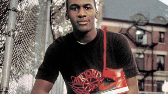 Sepatu Termahal di Dunia! Air Jordan 1 yang Dipakai Saat Debut Michael Jordan Terjual Rp 8,3 Miliar