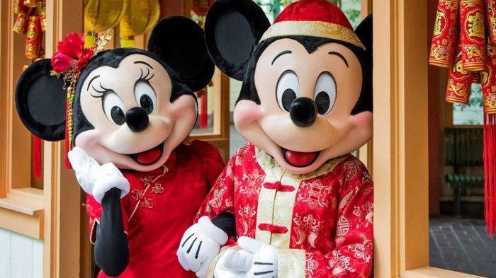 Mickey dan Minnie Mouse dalam Balutan Pakaian Tahun Baru Imlek