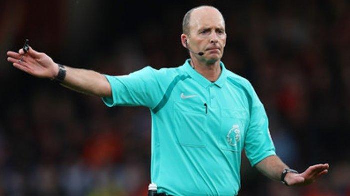 Arsenal vs Leicester City: Wasit Mike Dean yang Bakal Mimpin