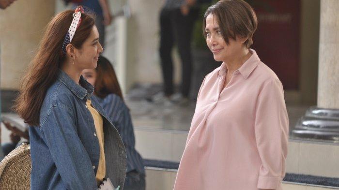 Mikha Tambayong syuting bareng Widyawati di film Mahasiswi Baru