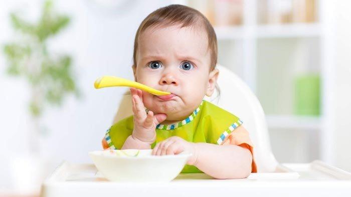 Injak Usia 6 Bulan, Bagaimana Cara Sajikan Buah untuk Bayi?