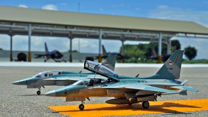 Miniatur pesawat tempur T-50 Golden Eagle TNI AU skala 1/48.