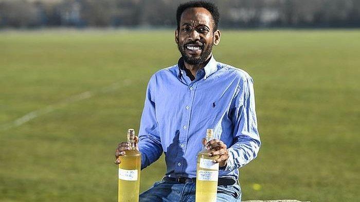 Apakah Minum Kencing Sendiri Punya Manfaat Buat Kesehatan Tribunnews Com Mobile