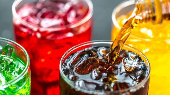 Minuman bersoda sebaiknya dihindari saat berbuka puasa