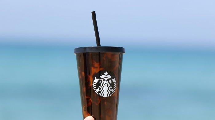 Tak Pesan Apapun dan Duduk Selama 1 Jam di Starbucks, Dua Wanita Ini Buat Geram Pelanggan Lainnya