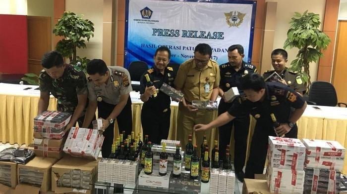Kanwin Bea Cukai Banten Amankan Miliaran Rupiah Rokok Ilegal dan Ribuan Botol Miras