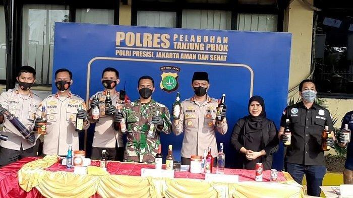 Polres Pelabuhan Tanjung Priok Sita 959 Botol Miras dan 100 Knalpot Bising