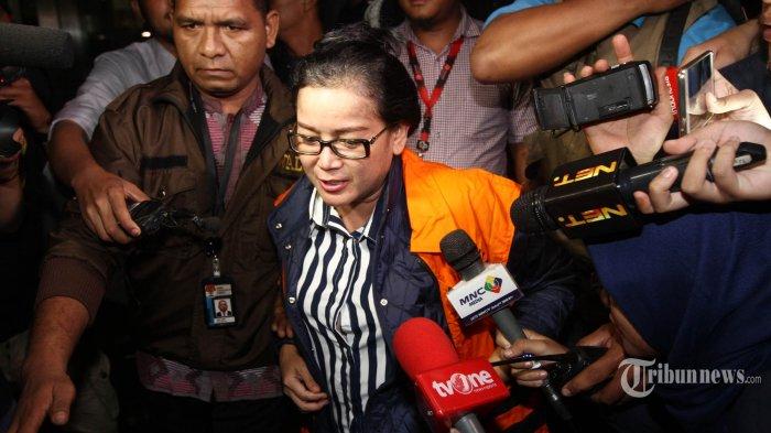 Miryam Tertangkap Sedang Bersama Adik Perempuannya di Hotel Kawasan Kemang