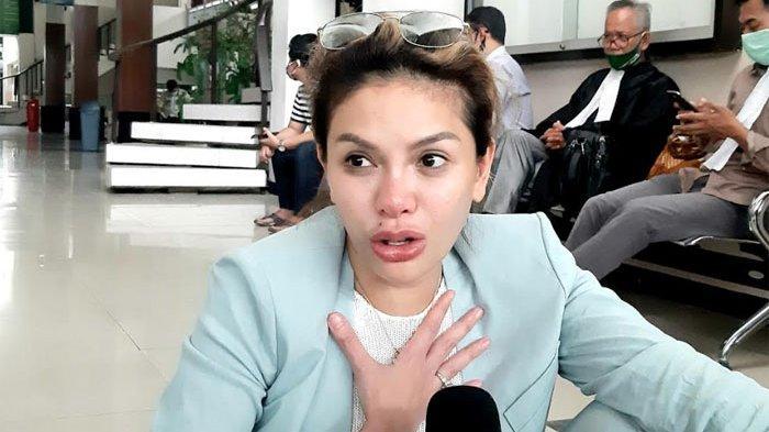 Nikita Mirzani ketika ditemui di gedung Pengadilan Negeri Jakarta Selatan, Jalan Ampera Raya, Cilandak, Jakarta Selatan, Kamis (28/5/2020).