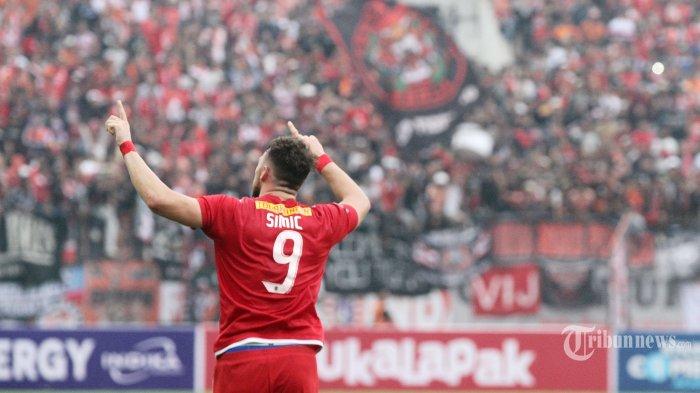 Ekspresi pemain Persija Jakarta Marco Simic seusai mencetak gol ke gawang Mitra Kukar pada pertandingan 8 besar Piala Presiden di Stadion Manahan Solo, Jawa Tengah, Minggu (4/2/2018). Tribunnews/Jeprima