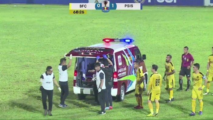 Sempat Pingsan di Laga Bhayangkara FC vs PSIS, Jajang Mulyana Sudah Mulai Sadar