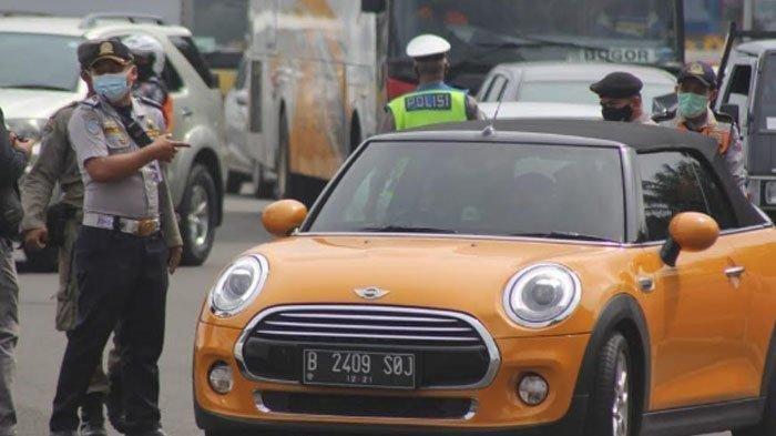 Ayu Ting Ting kena aturan ganjil genap di Kota Bogor, Sabtu (6/2/2021).