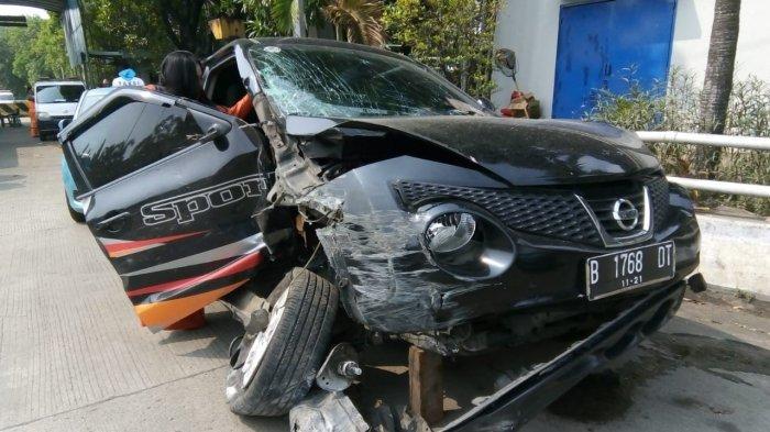 Alami Kecelakaan Tunggal Di Tol Wiyoto Wiyono, Anisa Bahar dan Keluarga Selamat