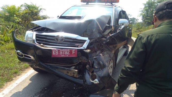 BREAKING NEWS - Mobil Patwal Rombongan Pj Sekda Kapuas Hulu Tabrakan Beruntun