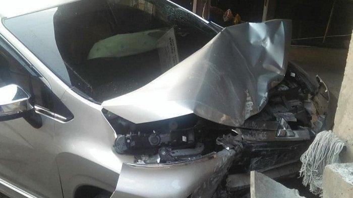 Mobil Bule Prancis Seruduk Bale Banjar Umasari, Seorang Satpam Tewas di Lokasi