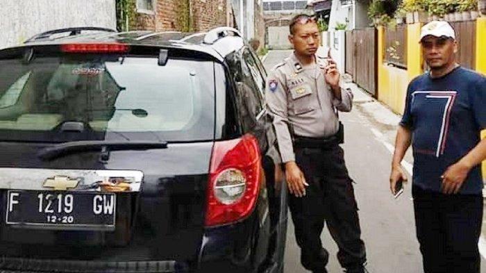 Mobil Misterius Tak Bertuan Parkir Berhari-hari, Buat Resah Warga Banyuanyar Solo