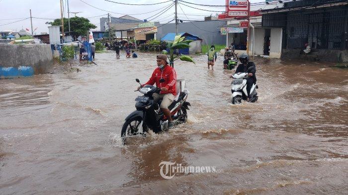 Tips Terjang Banjir Pakai Motor Matic, Pahami Letak Saringan Udara