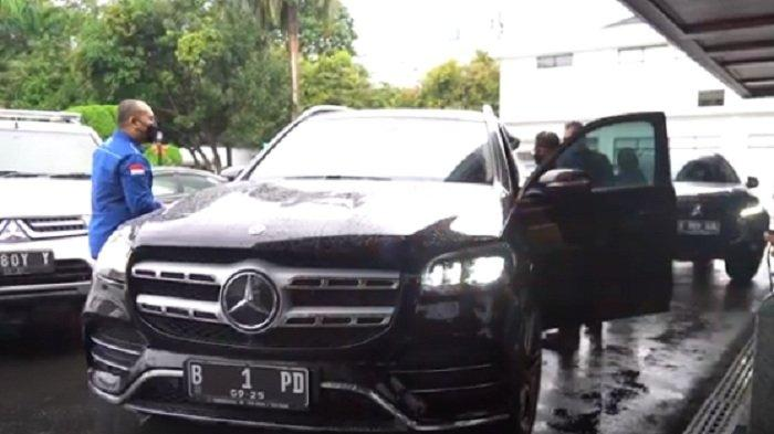 Temui Menkopolhukam Mahfud MD, AHY Tumpangi Mobil Mewah Mercedes Benz Seri Ini