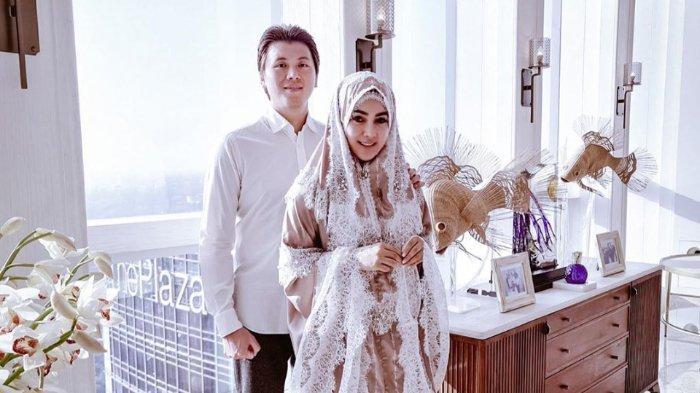 4 Bulan di Jepang, Kini Syahrini & Reino Barack Balik ke Jakarta, Sebut Sudah Khatam Al-Quran