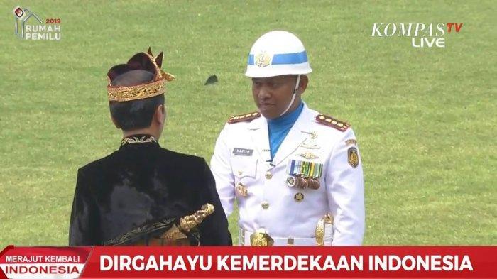 Momen Jokowi Langsung Datangi Komandan Upacara, Peserta Upacara Tepuk Tangan