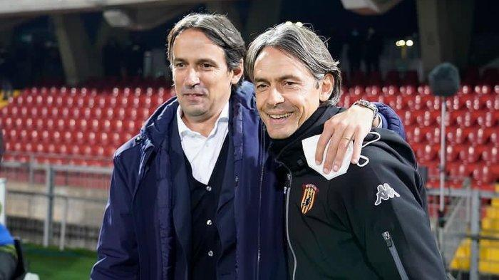 Momen pertemuan Simone Inzaghi (Pelatih Lazio) dan Filippo Inzaghi (Pelatih Benevento)